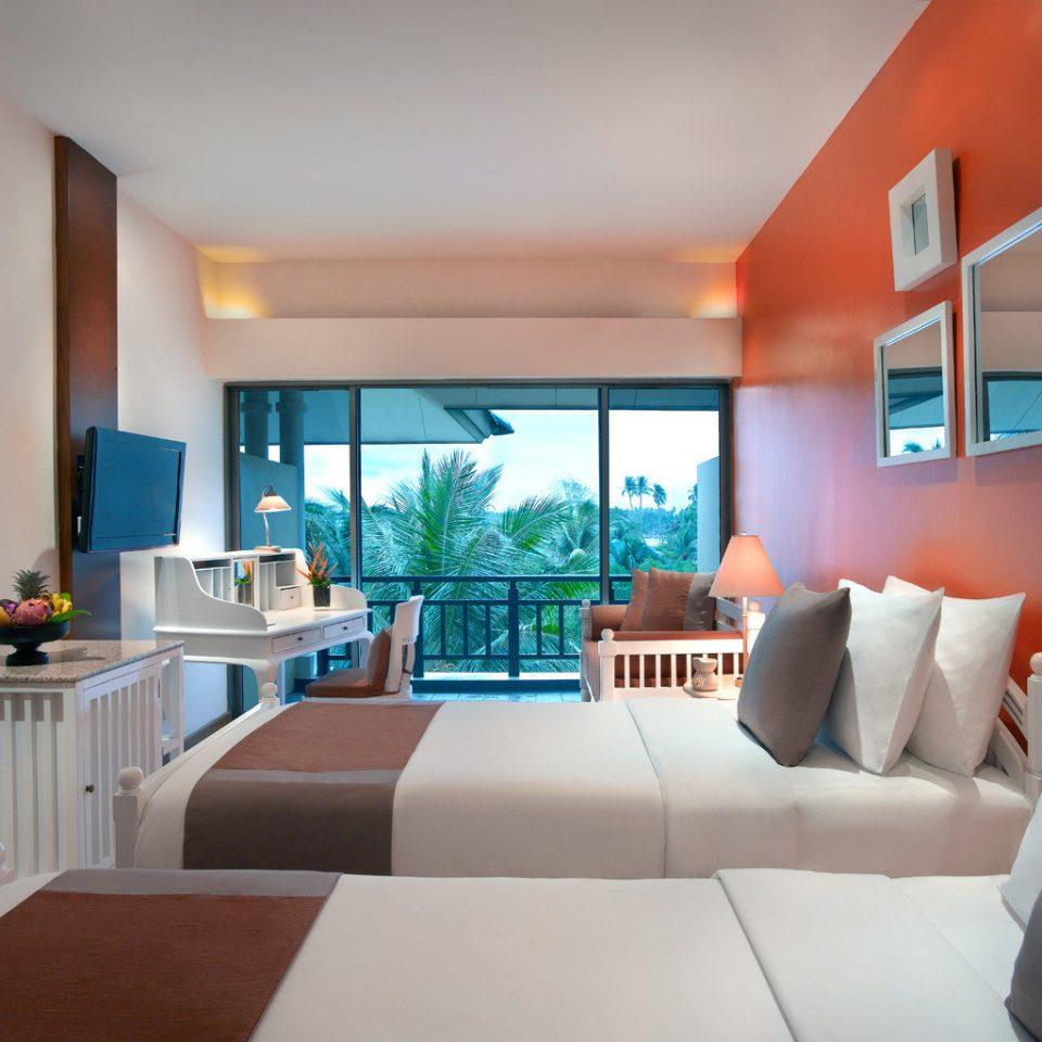 Balcony Bedroom Luxury Modern Scenic views Suite property condominium living room home Villa