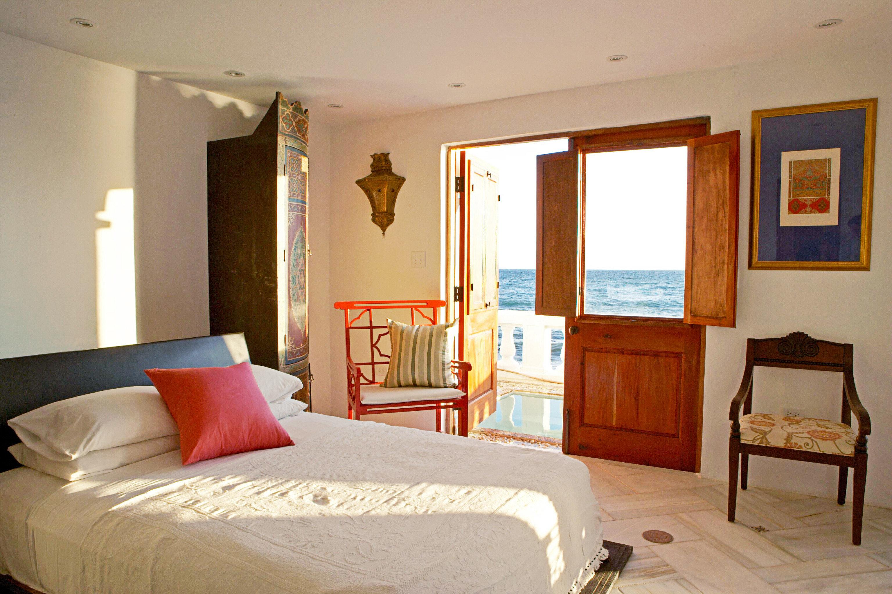 Balcony Bedroom Luxury Resort Scenic views property scene cottage Suite home Villa