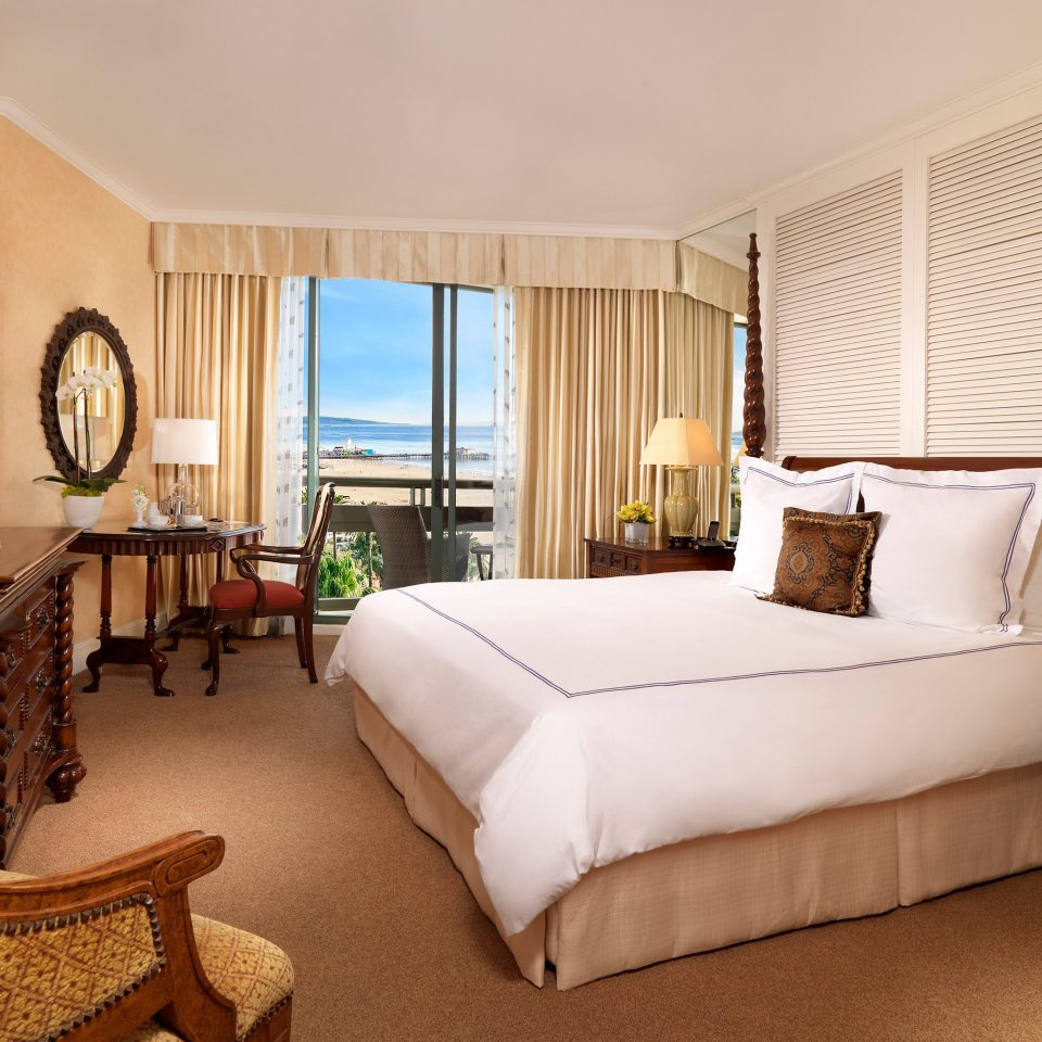 Balcony Bedroom Luxury Suite property living room Villa home condominium cottage Resort containing