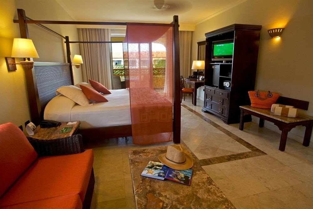 Balcony Bedroom Luxury Romantic Tropical property living room home cottage condominium Villa hardwood Suite