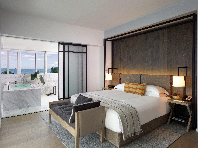 Balcony Bedroom Luxury Scenic views Suite property condominium home living room bed frame Villa
