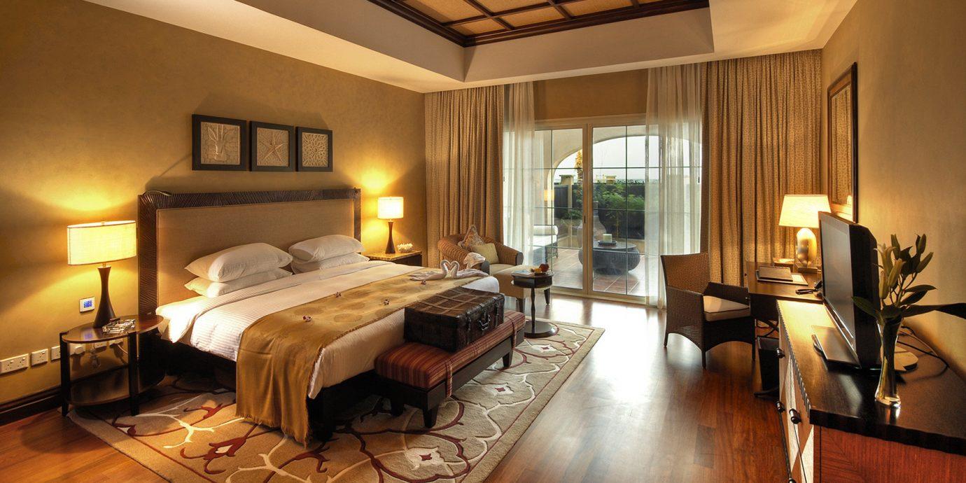 Balcony Bedroom Luxury Suite property hardwood living room home cottage Villa wood flooring