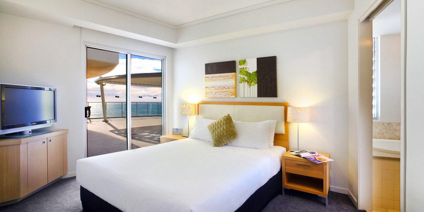 Balcony Bedroom Modern Resort Scenic views property Suite condominium home living room cottage