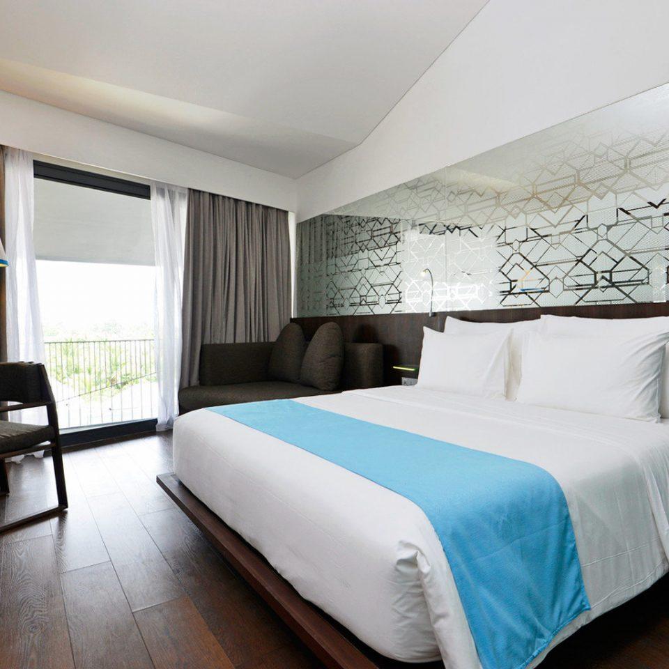 Balcony Bedroom Modern Suite property cottage condominium
