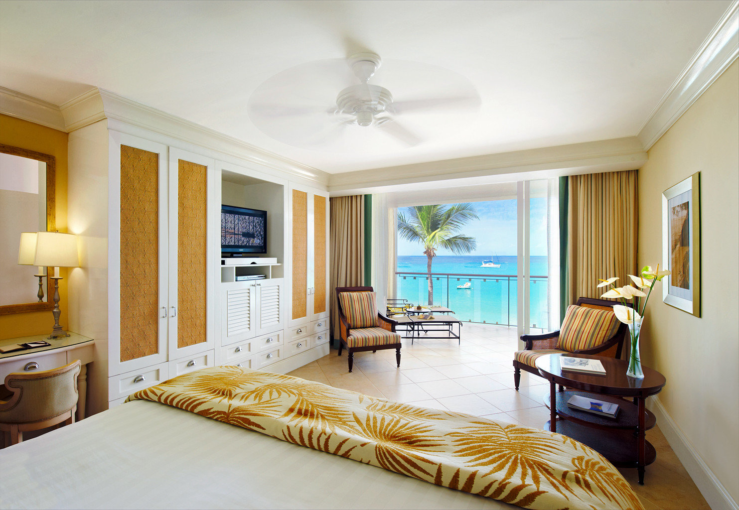 Balcony Bedroom Ocean Scenic views Suite property living room home cottage condominium hardwood Villa flat