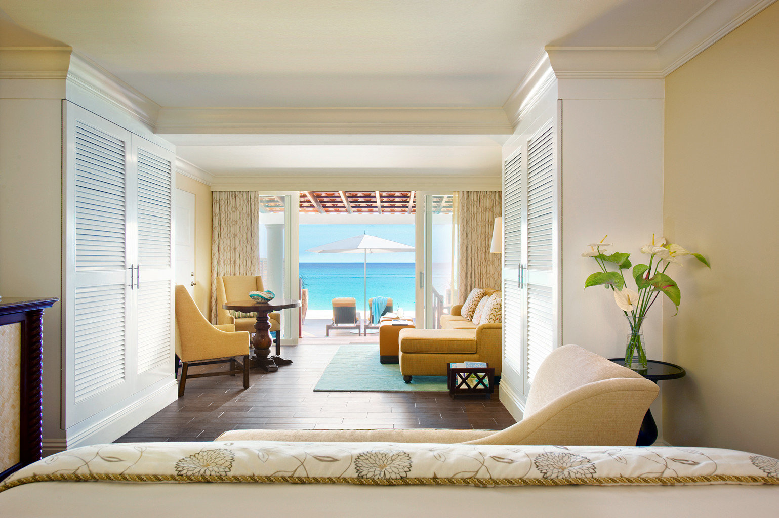 Balcony Bedroom Ocean Scenic views Suite sofa property living room home condominium