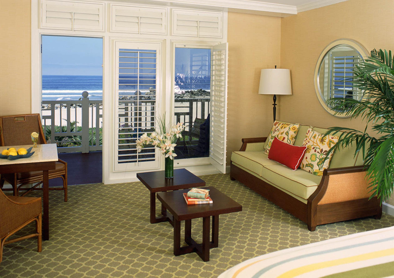 Balcony Bedroom Ocean Waterfront property living room home condominium hardwood cottage Suite Villa