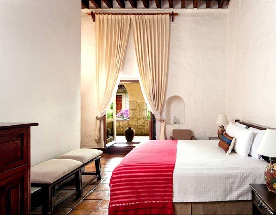Balcony Bedroom Patio Romantic Rustic property Suite curtain red cottage Resort Villa