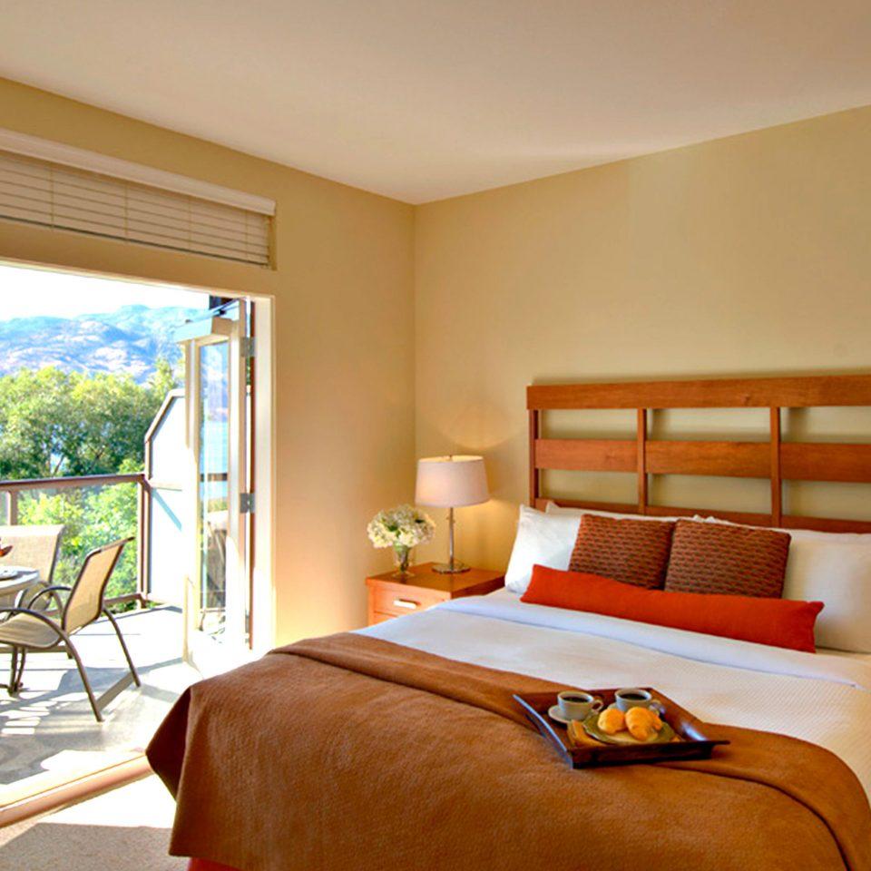 Balcony Bedroom Patio Scenic views Suite property cottage Resort Villa