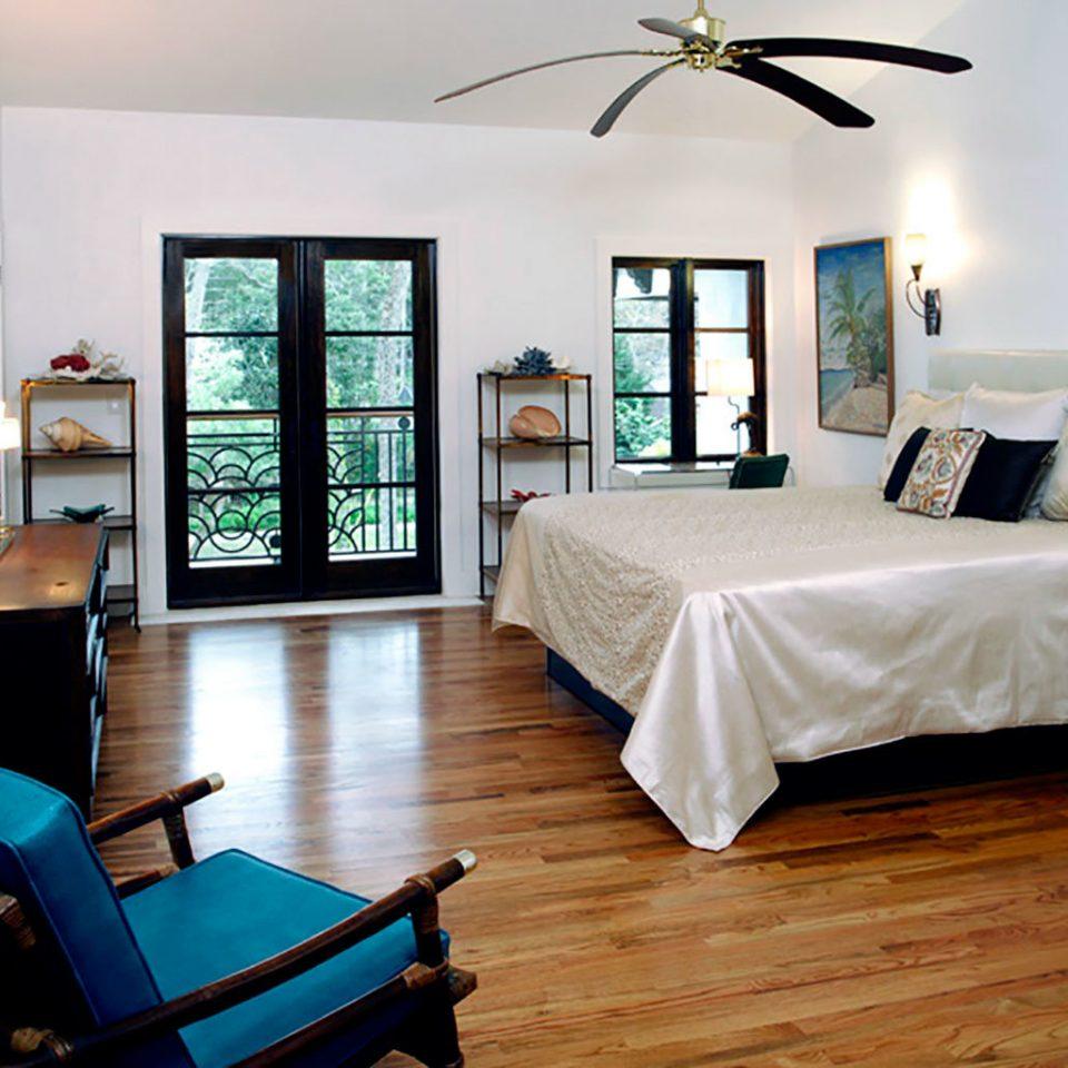 Balcony Bedroom Romantic Tropical property living room Suite home cottage condominium Villa Resort