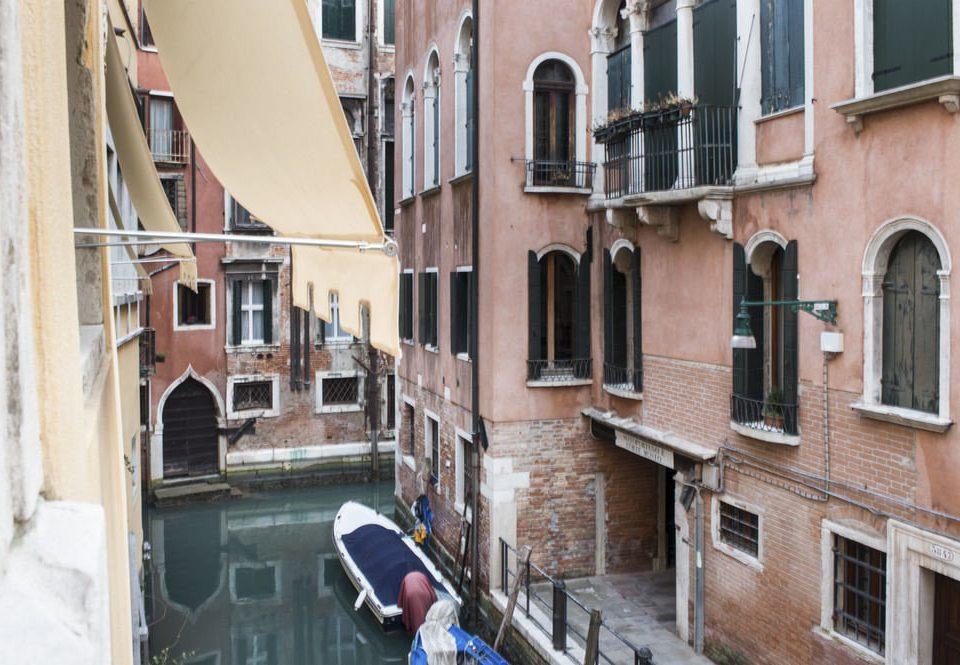building Town neighbourhood street waterway alley Balcony Boat