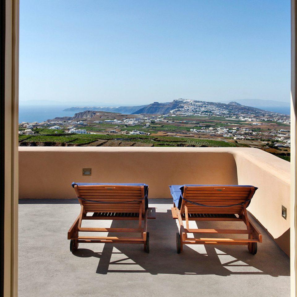 Balcony Boutique Honeymoon Romance Romantic Scenic views Suite sky property house home condominium overlooking Ocean Villa cottage Resort shore