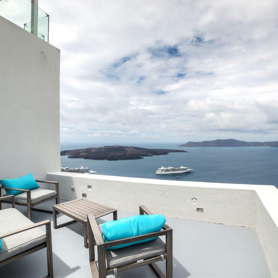 Balcony Boutique Waterfront sky blue property house Sea caribbean Villa cottage