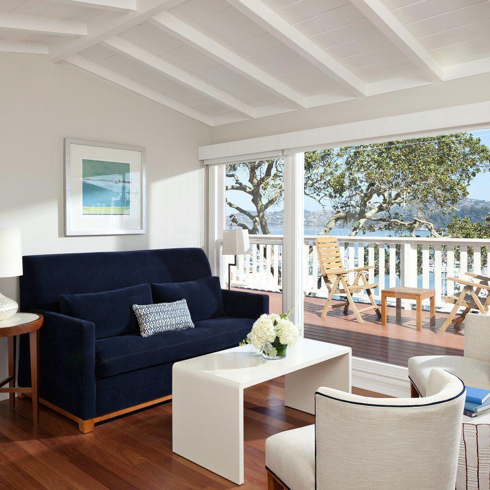 Balcony City Deck Hotels Modern Scenic views Trip Ideas property living room home hardwood cottage Villa farmhouse porch