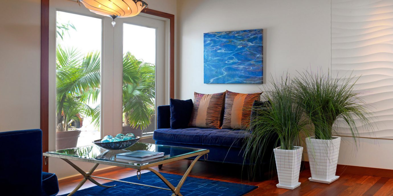 Balcony City Deck Modern Scenic views property living room home house hardwood cottage Villa condominium Suite