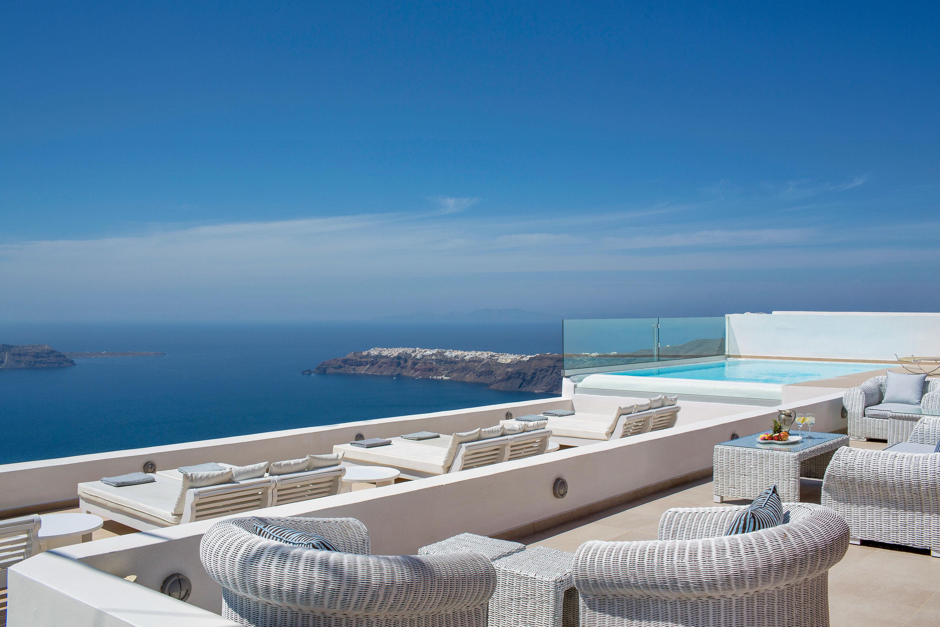 Balcony Deck Elegant Honeymoon Pool Romance Romantic Scenic views sky water property Sea passenger ship Ocean swimming pool yacht Villa Resort Coast caribbean vehicle overlooking shore day