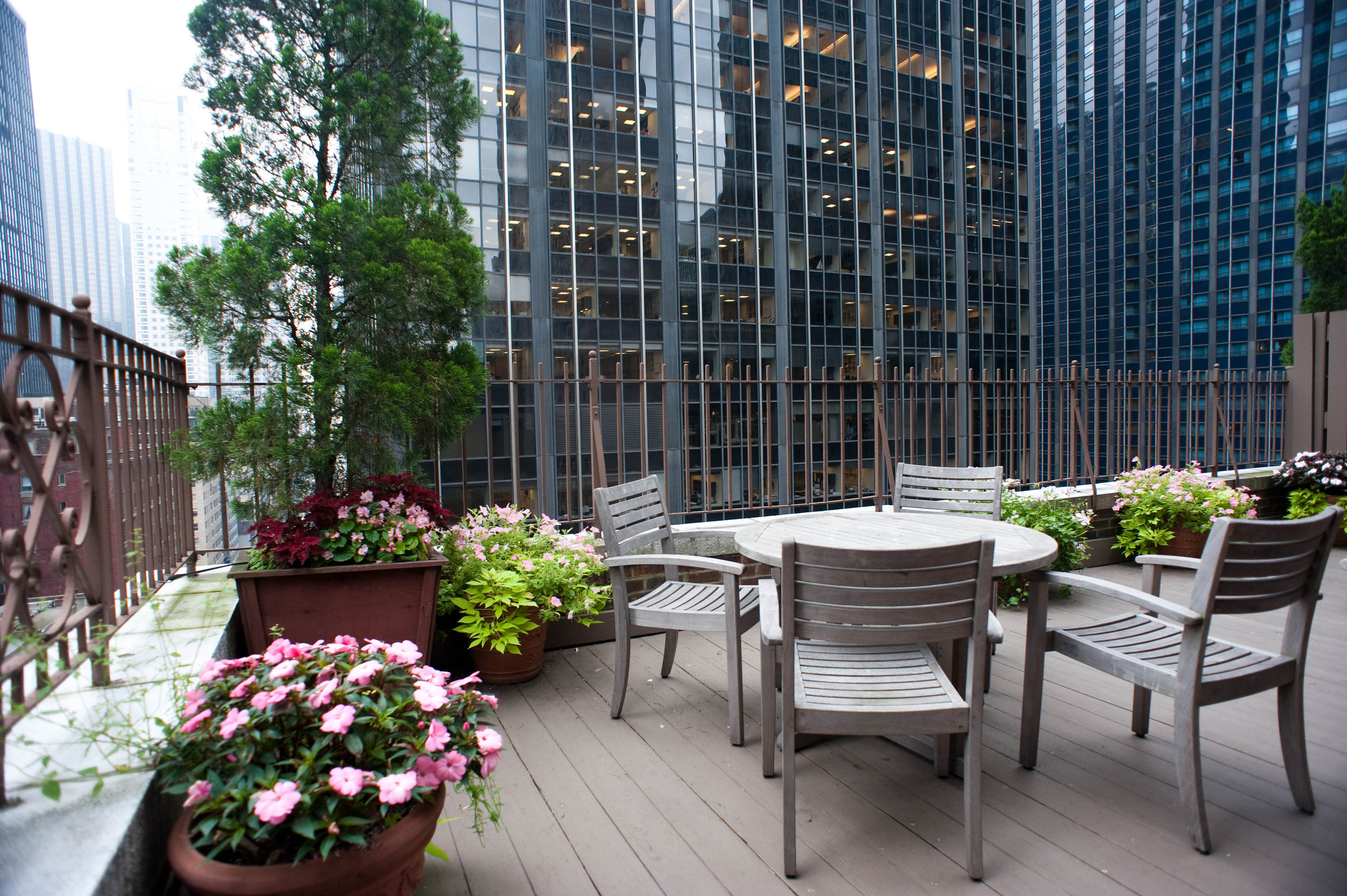 property Courtyard Balcony condominium backyard outdoor structure porch