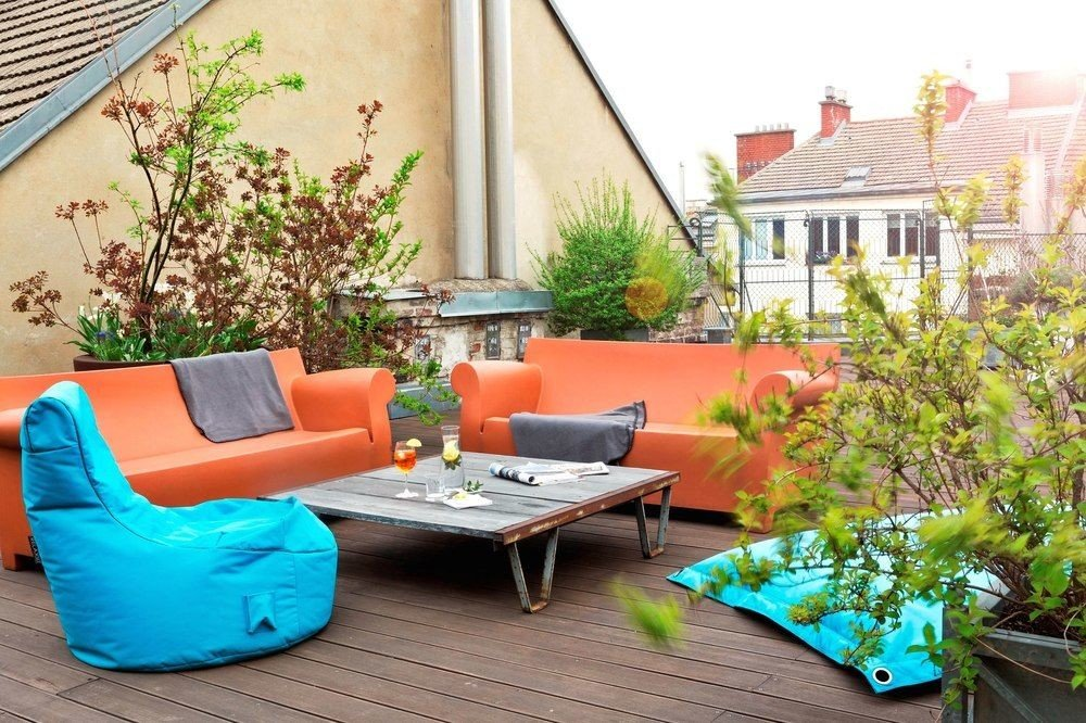 property home living room backyard outdoor structure plant cottage Courtyard porch Balcony yard Patio Villa