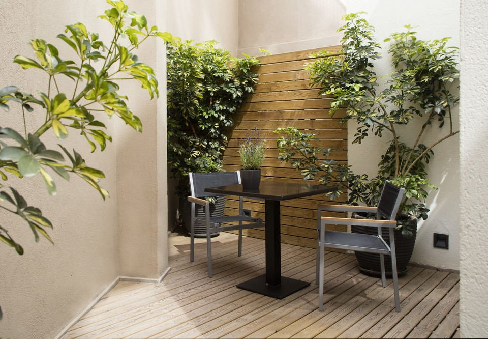 plant property Balcony Courtyard home outdoor structure Villa cottage condominium living room flooring