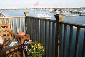 sky property Deck outdoor structure Balcony cottage dock