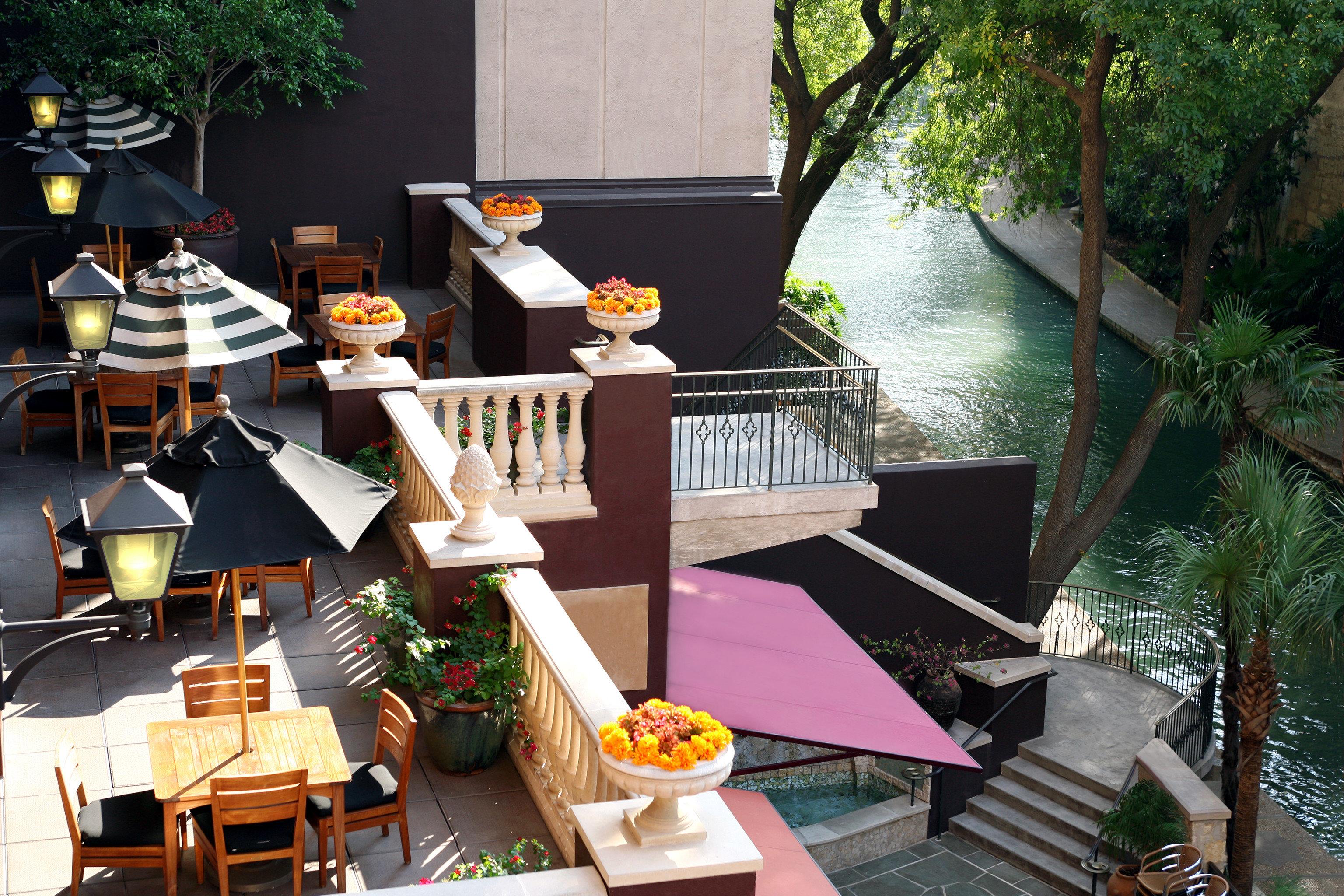 Balcony Deck Hotels Lounge Modern Patio Terrace Trip Ideas tree restaurant Resort Dining home