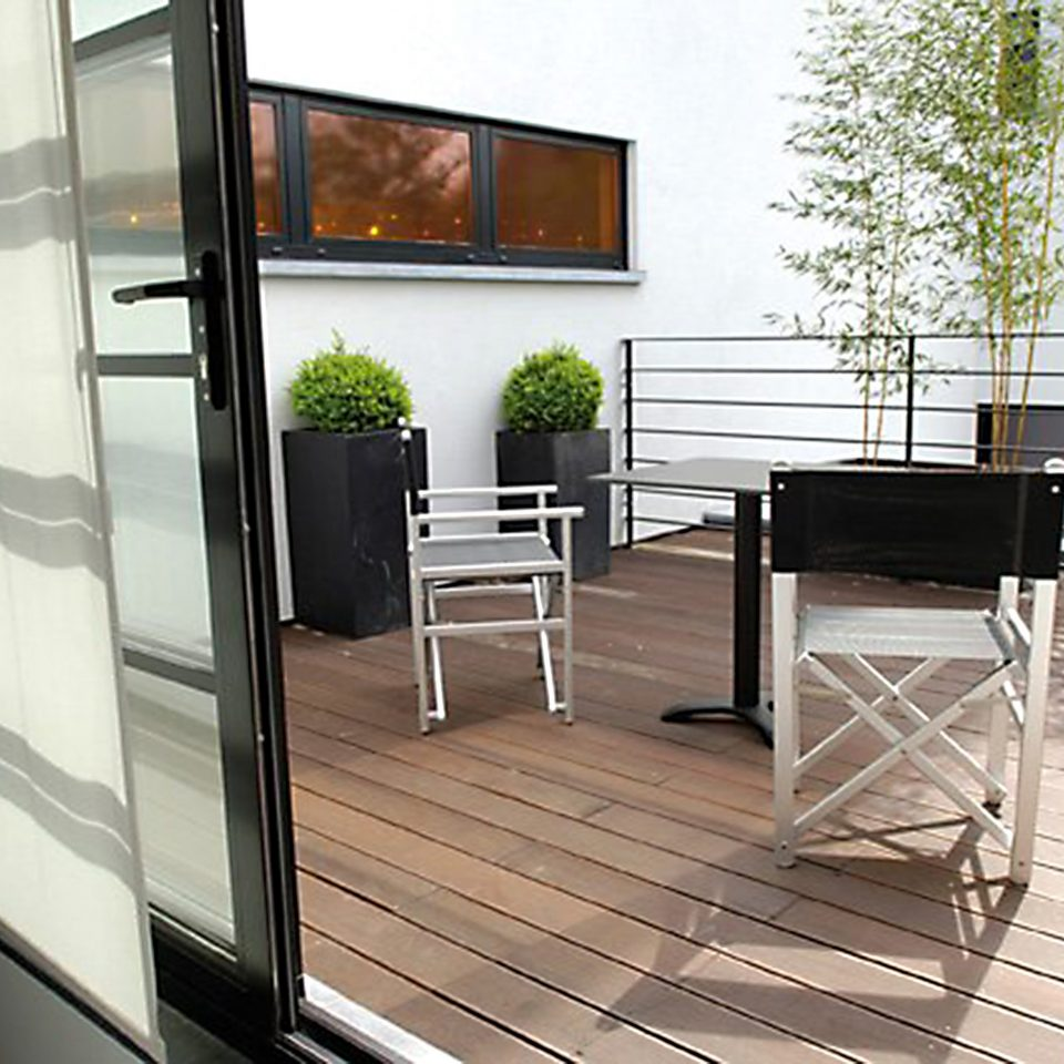 Deck Hip Lounge Luxury Modern building property chair Balcony home hardwood outdoor structure daylighting flooring living room