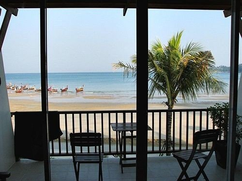 sky water chair property Ocean Resort condominium Villa home cottage caribbean Balcony porch shore Deck