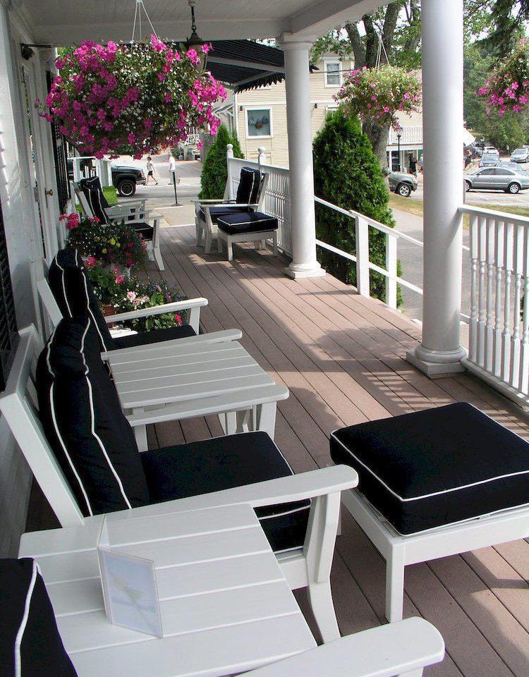 porch outdoor structure home Deck white Balcony backyard Patio