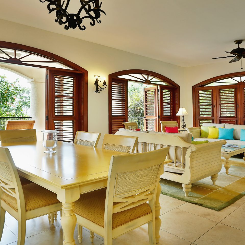 Balcony Dining Drink Eat Modern Patio Resort Scenic views Villa property home living room restaurant cottage farmhouse