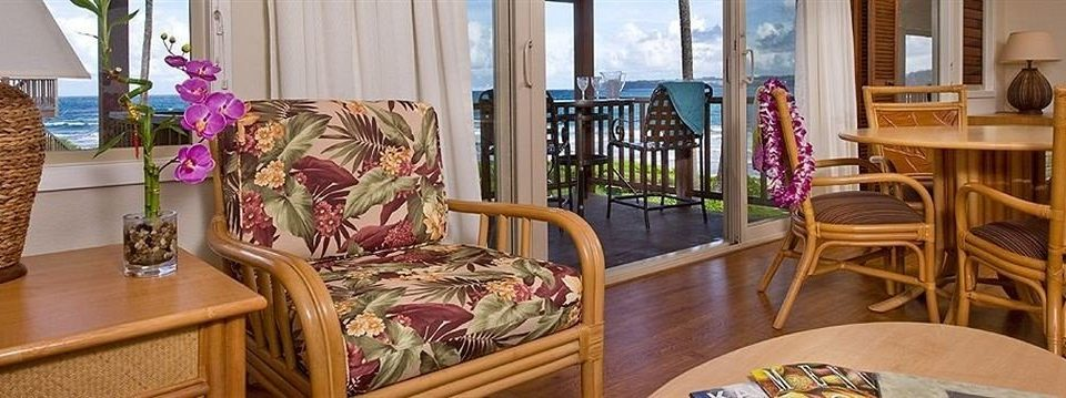 Balcony Resort Scenic views property chair Dining home cottage living room Suite dining table