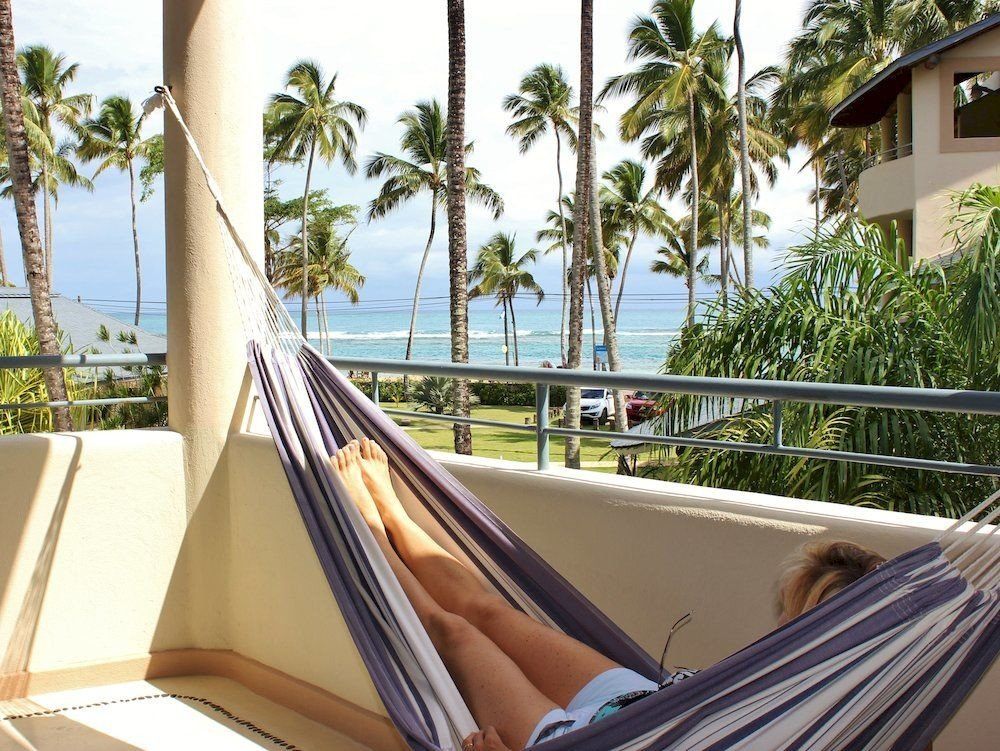 Hip Lounge Luxury Modern tree property hammock Villa vehicle Balcony Resort swimming pool