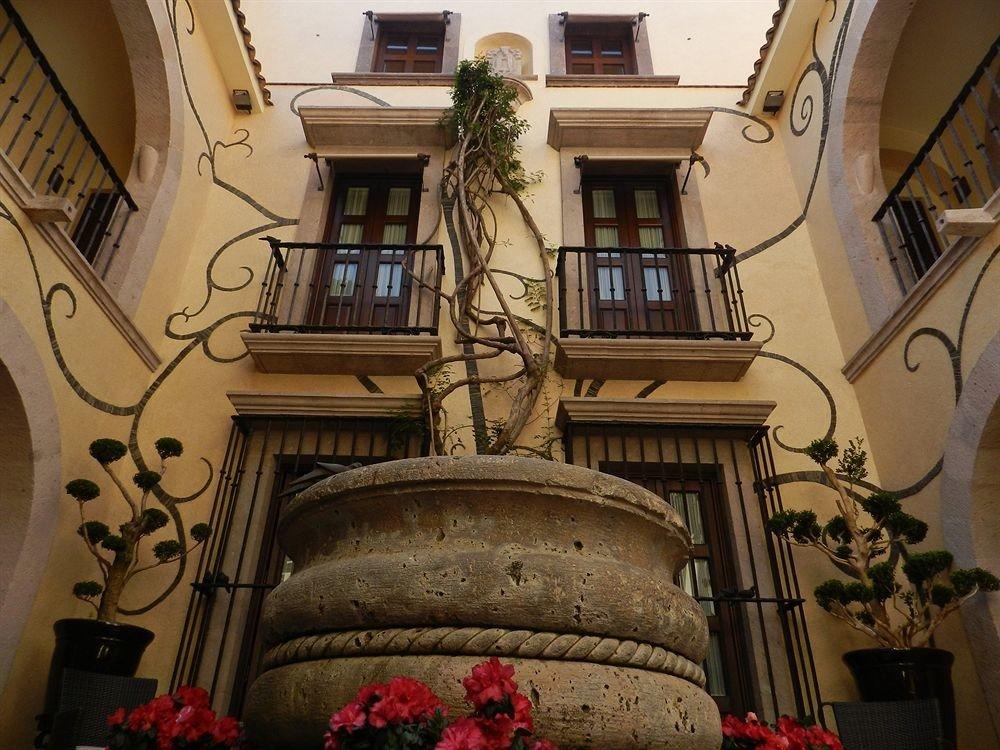 house Balcony mansion