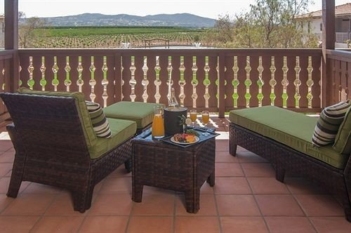 Balcony Inn Winery property Villa outdoor structure cottage hacienda