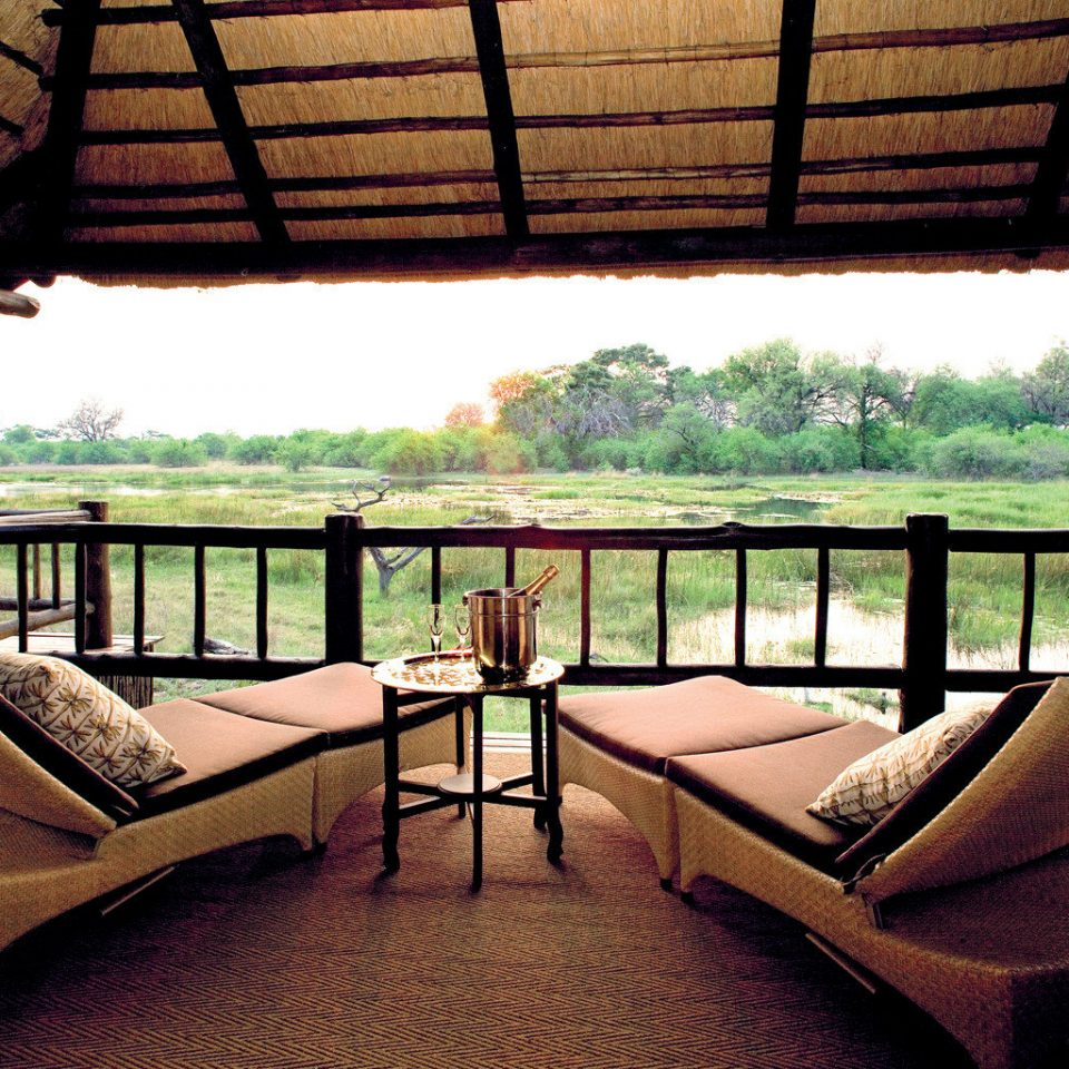 Balcony Jungle Lodge Outdoors Safari Scenic views building property Resort home condominium cottage Villa