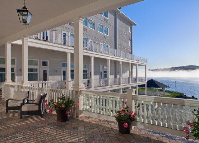 building property condominium Resort Villa walkway home mansion cottage Balcony outdoor structure hacienda porch
