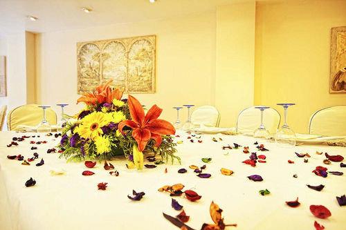 banquet function hall floristry ballroom bedclothes