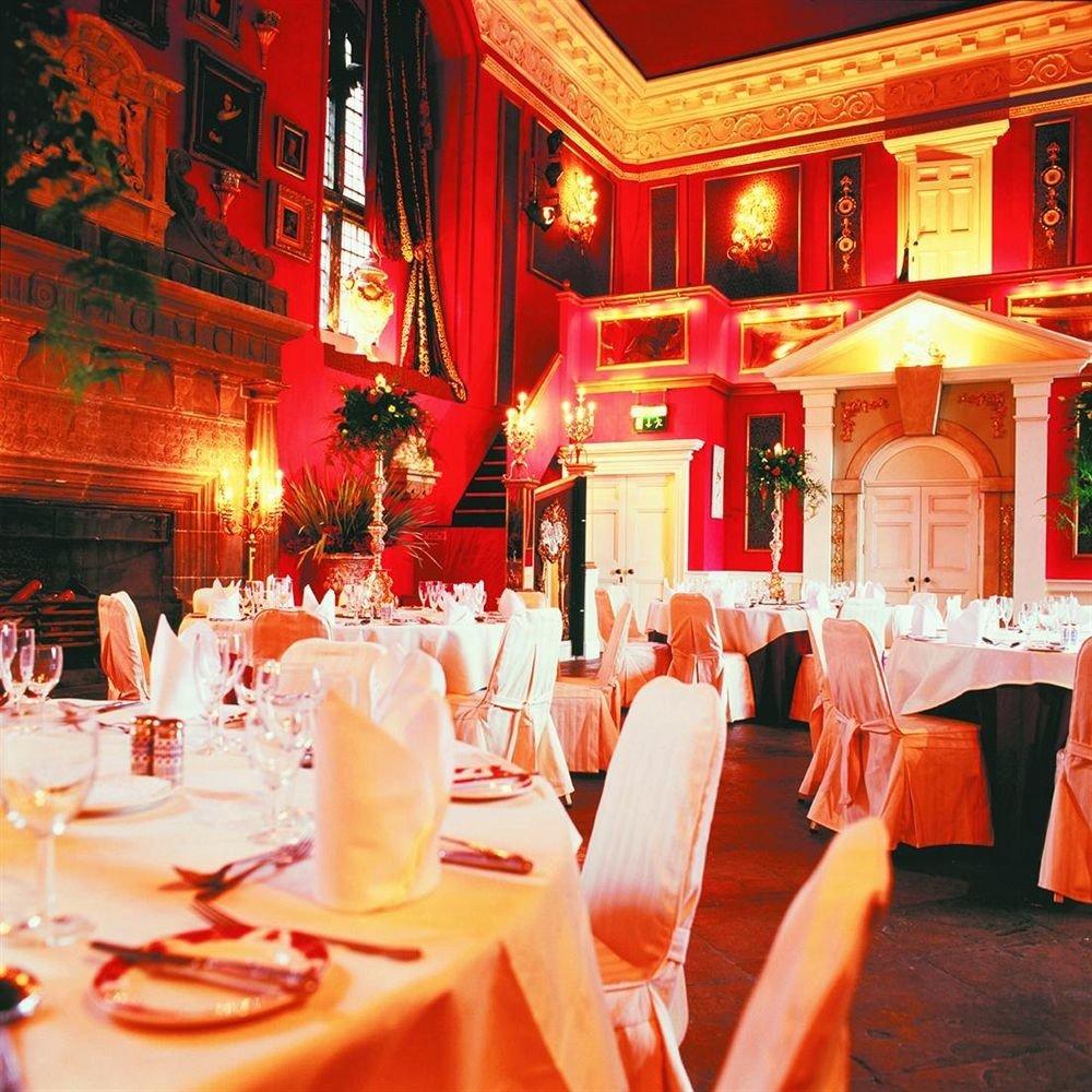 function hall restaurant banquet ceremony wedding reception ballroom tableware floristry centrepiece decor flower dining table