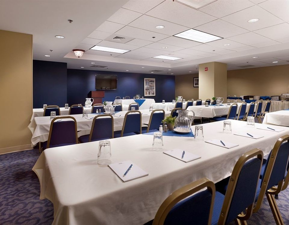 chair function hall conference hall scene banquet restaurant meeting convention center ballroom conference room