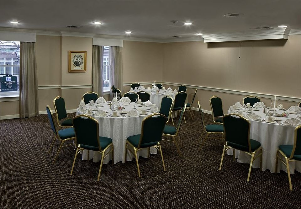 chair function hall conference hall banquet restaurant ballroom meeting convention center dining table