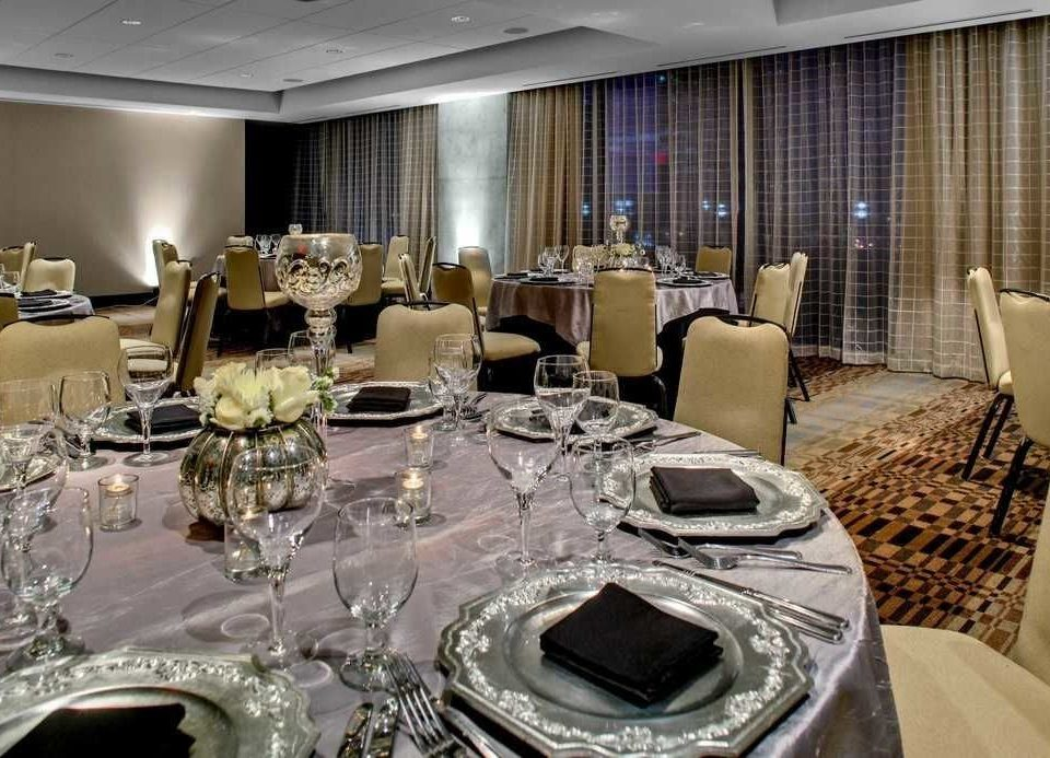 function hall banquet restaurant conference hall ballroom convention center yacht vehicle wedding reception dining table