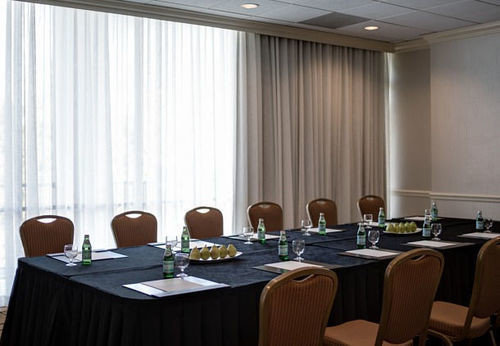 conference hall function hall curtain meeting banquet seminar restaurant convention center ballroom
