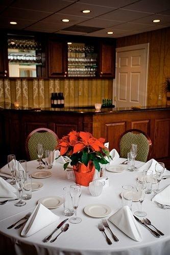restaurant banquet function hall dinner ballroom dining table
