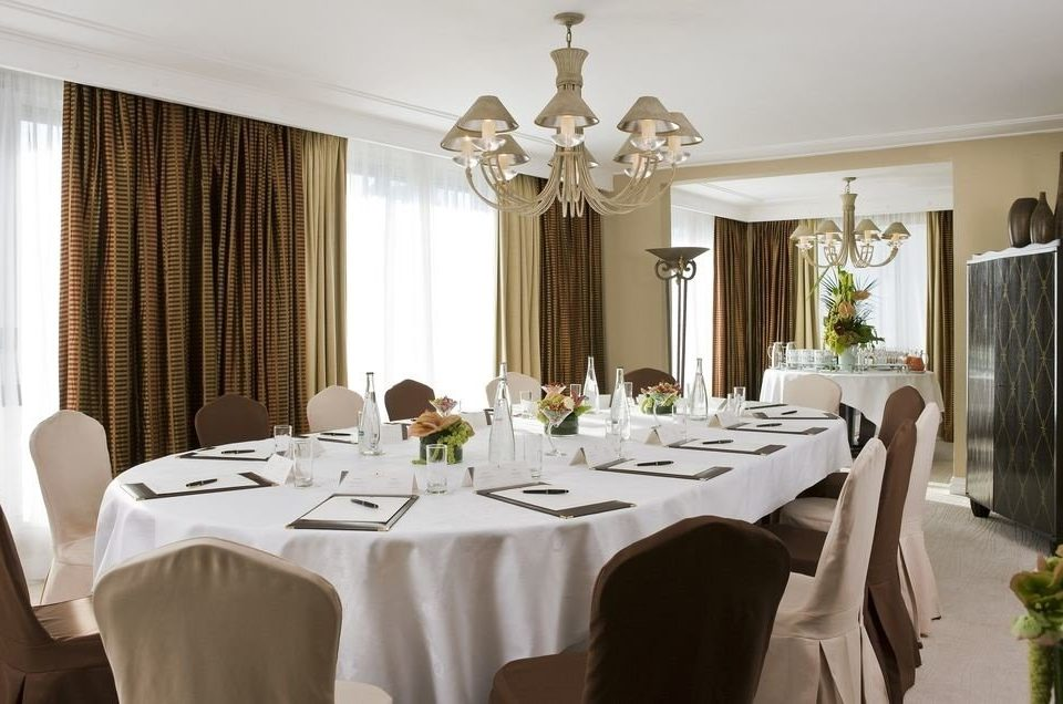 function hall restaurant banquet ballroom fancy dining table