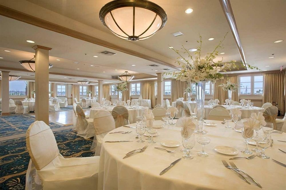function hall restaurant banquet white yacht ballroom dining table