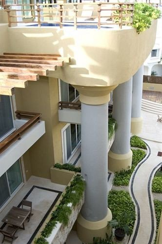 structure property column baluster stairs condominium handrail