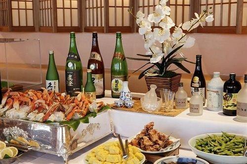 food plate bottle buffet brunch supper sense banquet lunch restaurant dinner