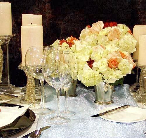 centrepiece flower arranging floristry flower banquet wedding floral design dinner restaurant brunch dining table