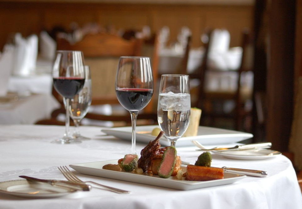 wine plate restaurant dinner brunch lunch rehearsal dinner supper banquet close dining table
