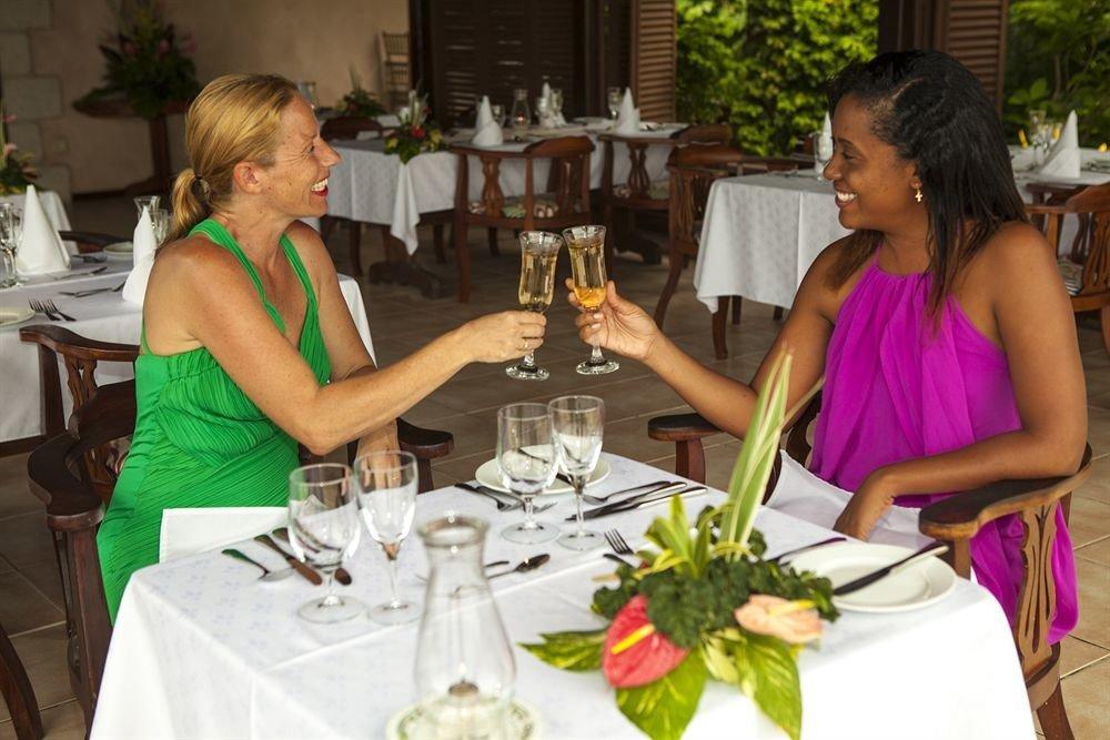 woman lunch dinner floristry sense banquet brunch rehearsal dinner dining table restaurant