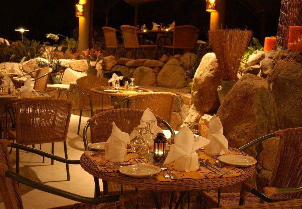 restaurant dinner banquet dining table